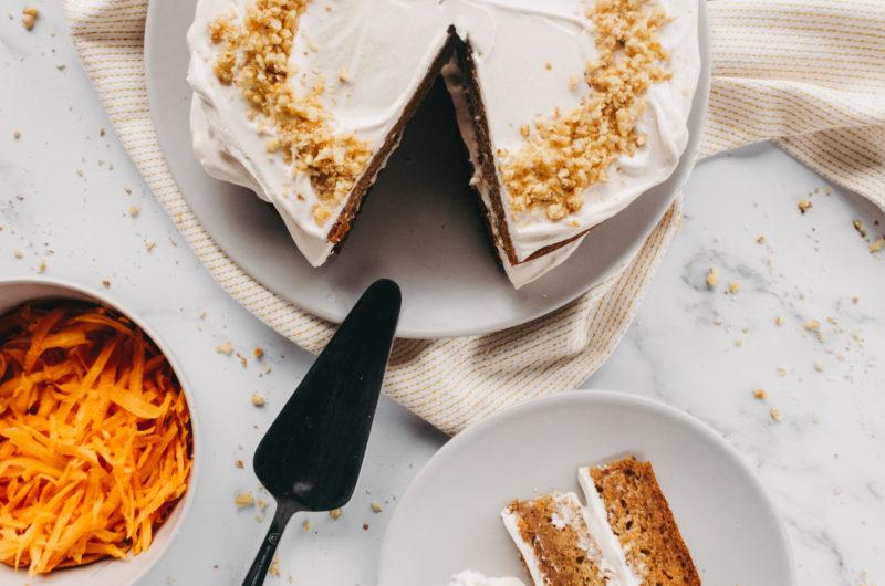 BREZGLUTENSKA KORENČKOVA TORTA